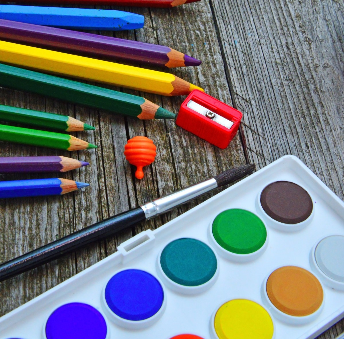 консумативи за рисуване